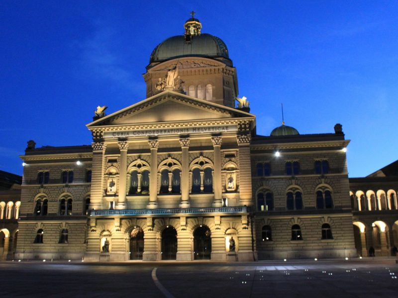So kann es nicht weitergehen: Die rechte Mehrheit auch in Bern brechen!